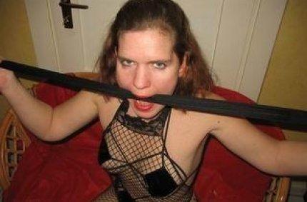 Profil von: Devote-Angi - fotze fotze, erotische busen