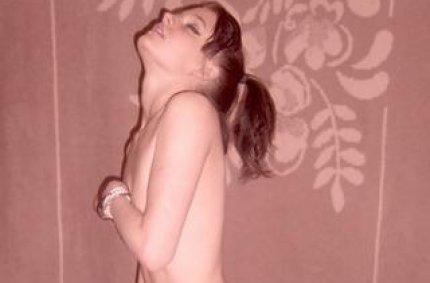 Profil von: Larissa-19 - LiveSearch-Tags: oralsex, autobahnparkplatz sex